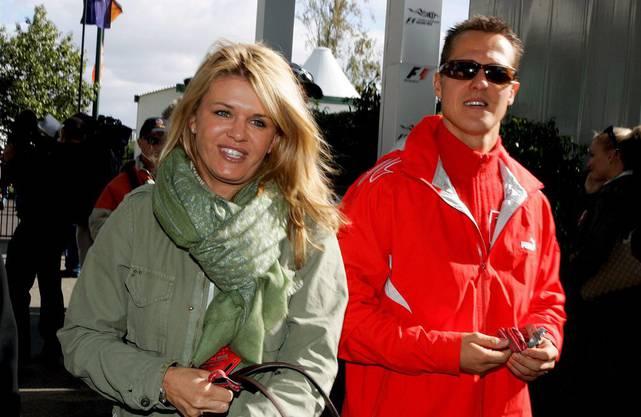 1. August 1995: Schuhmacher heiratet seine Freundin Corinna. Die beiden bekommen zwei Kinder: Gina Maria (* 1997) und Mick (* 1999). Letzterer ist ebenfalls Automobilrennfahrer.