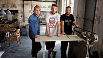 Jan Schweingruber, Tobi Gehri und Alex Späti (von links) wollen mit ihren Angeboten die «Kantine» zu einem kulturellen Treffpunkt zu machen.