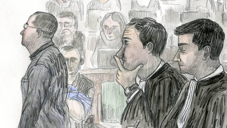 Der Angeklagte hatte bereits während Monaten vor der Bluttat Phantasien, eine Frau zu töten, wie am Dienstag die psychiatrischen Gutachter ausführten.