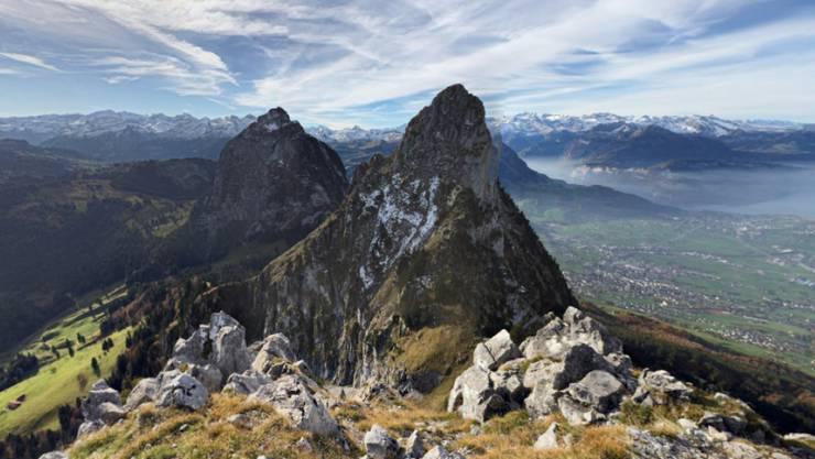 Ausblick vom Haggenspitz im Kanton Schwyz auf rund 1760 Metern über Meer auf die Mythen-Region und den Vierwaldstättersee.