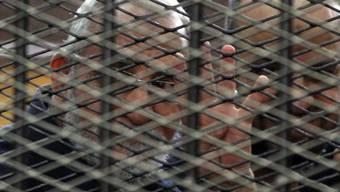 Chef der Muslimbruderschaft, Mohammed Badie, vor Gericht (Archiv)