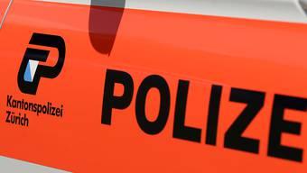 Eine Polizistin der Kantonspolizei Zürich bei der Verhaftung im Zürcher Kreis 4 leicht verletzt. (Symbolbild)