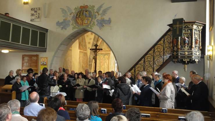 Beide Chöre in der Kirche Feldstetten