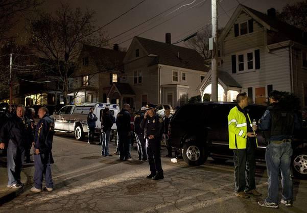 Festgenommen wurde der 19-Jährige von einem SWAT-Team hinter diesem Haus in Watertown.