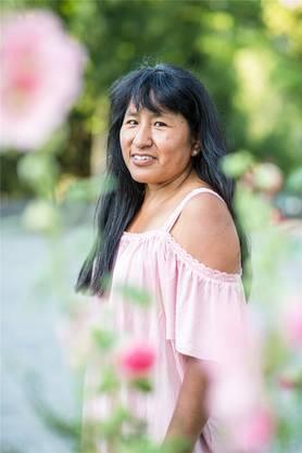 In den Unterlagen von Nina finden sich drei unterschiedliche Geburtsdaten. Im Alter von rund fünf Jahren kam sie in die Schweiz. Einige Jahre später wurde sie in Bolivien für tot erklärt. Weshalb, weiss sie nicht.