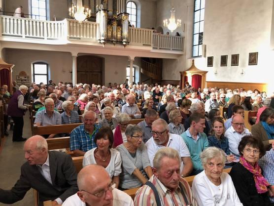 Zuhörer in der Stadtkirche Mellingen