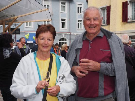 Walter und Judith Zürcher, 75 und 70, wohnen schon seit 44 Jahren in Ennetbaden und finden das Fest super, um Leute zu treffen, die man schon lange nicht mehr gesehen hat.