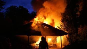 Ein Feuerteufel hielt Riehen zwischen 2004 und 2011 in Atem. (Symbolbild)