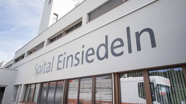 Lukas Krähenbühl vom Spital Einsiedeln übernehme neu die Verantwortung im Bereich der Chirurgie für beide Spitäler.