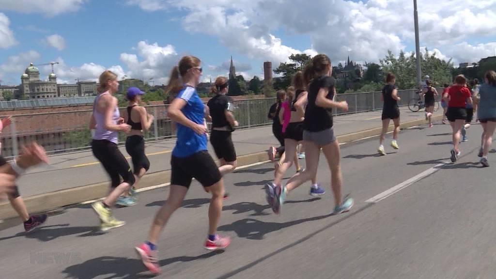 12,5 Tausend Frauen rennen am Frauenlauf durch Bern
