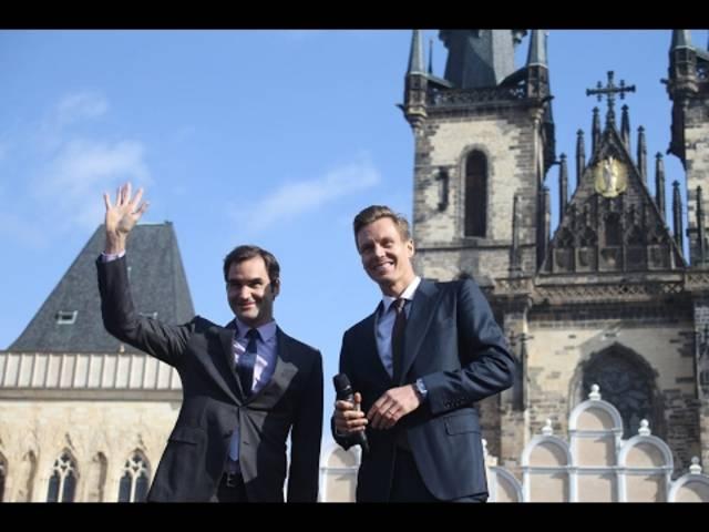 Roger Federer mit Tomas Berdych in Prag.