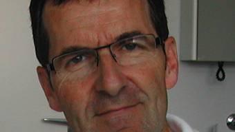 Heinz Borer, Facharzt für Innere Medizin und Pneumologie, in seinem Büro im Bürgerspital Solothurn.  sbb Heinz Borer, Facharzt für Innere Medizin und Pneumologie, in seinem Büro im Bürgerspital Solothurn.  binz Heinz Borer, Facharzt für Innere Medizin und Pneumologie, in seinem Büro im Bürgerspital Solothurn.  sbb Heinz Borer, Facharzt für Innere Medizin und Pneumologie, in seinem Büro im Bürgerspital Solothurn.  sbb