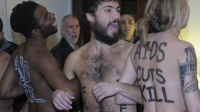 Nackte Männer und Frauen protestieren im US-Kapitol