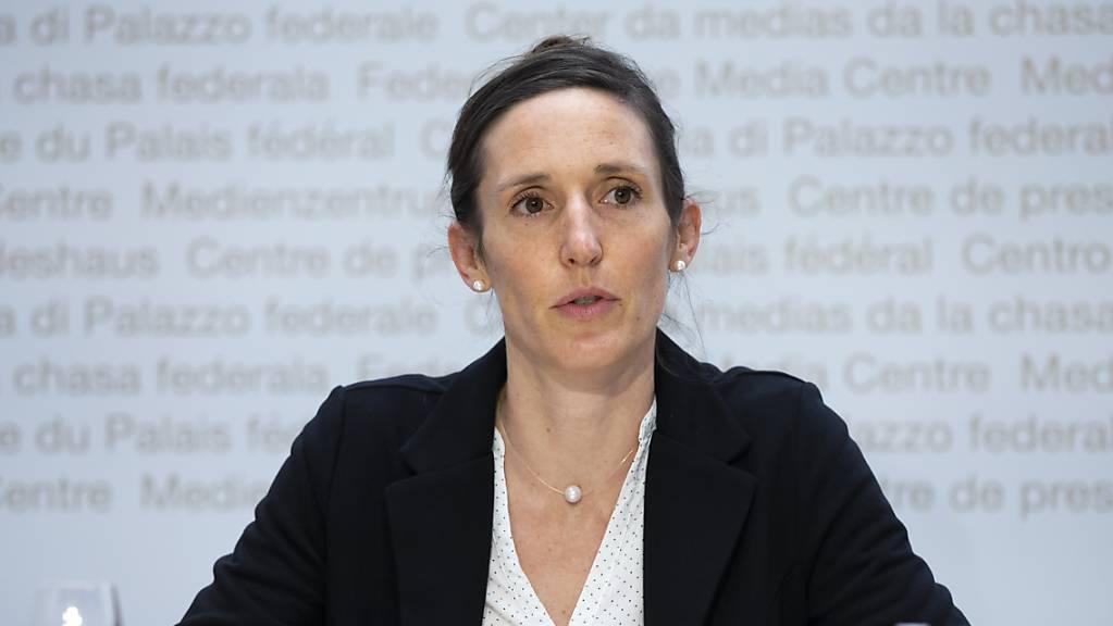 Tanja Stadler, Präsidentin der wissenschaftlichen Covid-19-Taskforce des Bundes, will ihre beiden schulpflichtigen Kinder gegen das Coronavirus impfen lassen, sobald die Zustimmung der Heilmittelbehörde Swissmedic und die Empfehlung der Impfkommission vorliegen. (Archivbild)