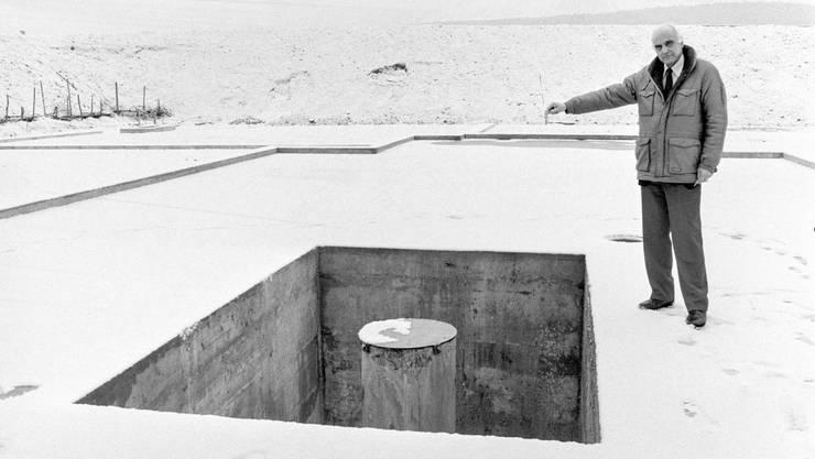 Rückblick: Rudolf Rometsch, Praesident der NAGRA bei der Bohrstelle in Riniken, wo 1983 Sondier-Bohrungen für ein etwaiges Endlager für radioaktive Abfälle vorgenommen wurden.