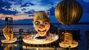 """Szene aus """"Rigoletto"""" von Giuseppe Verdi, aufgenommen am Freitag, 12. Juli 2019 auf der Bregenzer Seebühne"""