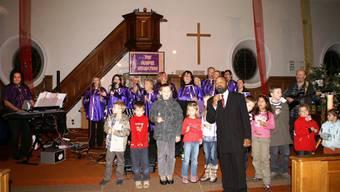 Stimmung: The Gospel Sensation, Freddy Washington und die Kinder begeistern das Publikum.  (Bild: ZVG)