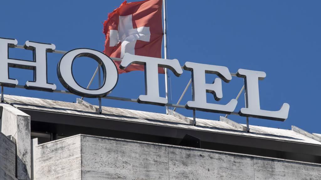 Wegen der Corona-Pandemie rechnen schweizweit 70 Prozent der Hotelbetriebe mit einer schlechteren Wintersaison als im Vorjahr. (Symbolbild)