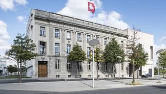 Schweizer Diplomaten wohnen oft an schönen Adressen: im Bild die Schweizer Botschaft in Berlin. (Archivbild)