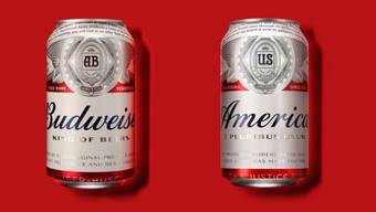 """Der Bierbrauer Anheuser-Busch benennt sich während des US-Wahlkampfs kurzzeitig um: Das Bild zeigt links die übliche Verpackung eines Biers von Budweiser  und rechts die neue Verpackung mit der Aufschrift """"America""""."""