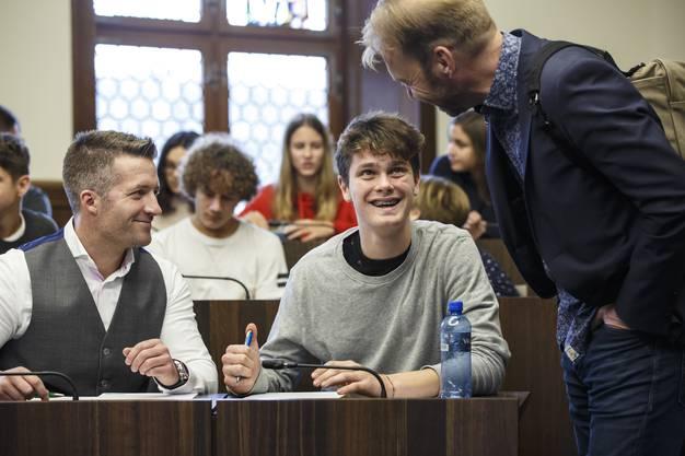 Jugendliche und Kantonsräte im Gespräch