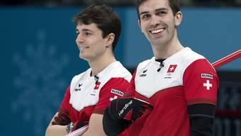 Benoît Schwarz (links) und Peter De Cruz können sich die Schweizer Leibchen ein weiteres Mal überstreifen
