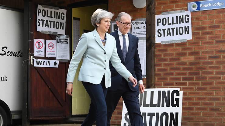 Auch die Briten sind aufgefordert, zu stimmen. Für Premierministerin Theresa May sind es entscheidende Tage.