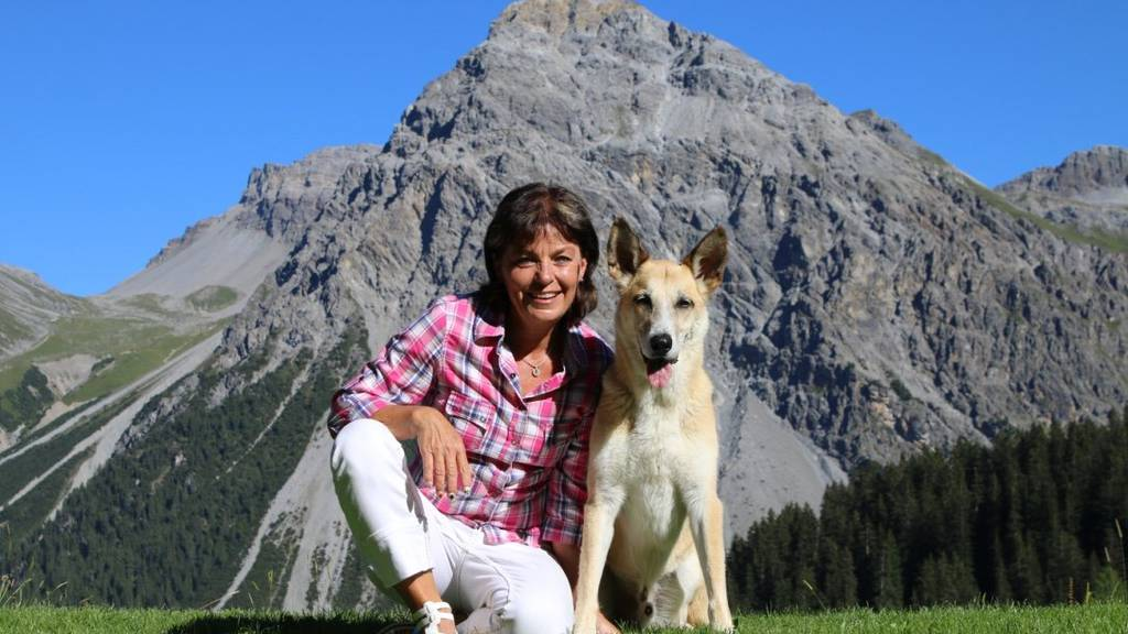 Monika Fasnacht repräsentiert das Bärenland Arosa.