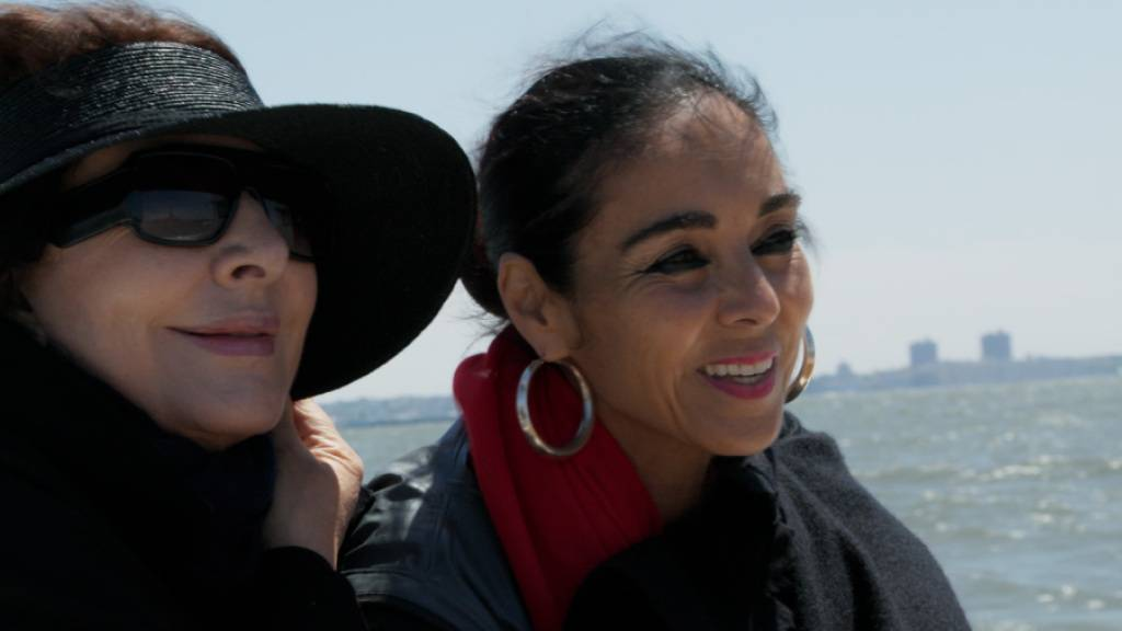 Künstlerinnen, Freundinnen und Protagonistinnen im deutsch-schweizerischen Dokumentarfilm «Body of Truth»: Marina Abramović (links) und Shirin Neshat.