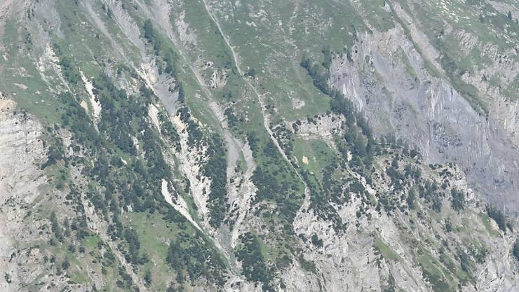Der Gleitschirmpilot stürzte bei einer Bergflanke oberhalb von Ausserberg VS ab.