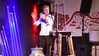 Alex Capus sorgte in der Galicia-Bar für den Auftakt beim Auftritt der Schriftsteller-Nati.