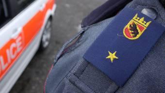 Die Kantonspolizei Bern konnte einen leblosen Mann aus der Aare bergen.