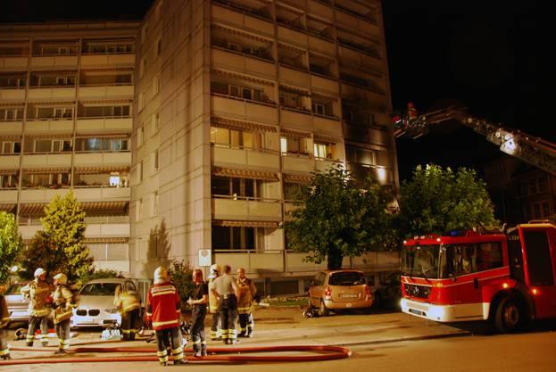 Die Feuerwehr brachte das aus noch unbekannten Gründen ausgebrochene Feuer rasch unter Kontrolle. .