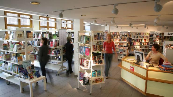 Bibliothek in Uitikon hat jetzt länger offen.