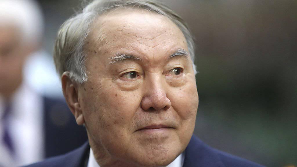 Präsident von Kasachstan tritt zurück