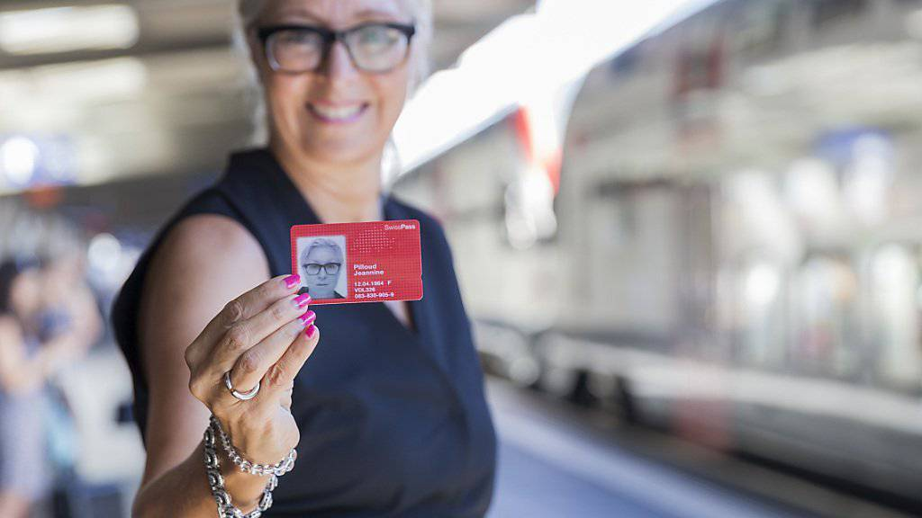Die SBB-Verantwortliche für Personenverkehr, Jeannine Pilloud, zog am Freitag in Lausanne eine positive Bilanz nach einem Jahr SwissPass.