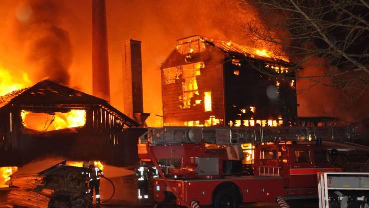 So tobten die Flammen in der Silvesternacht. (Archiv)