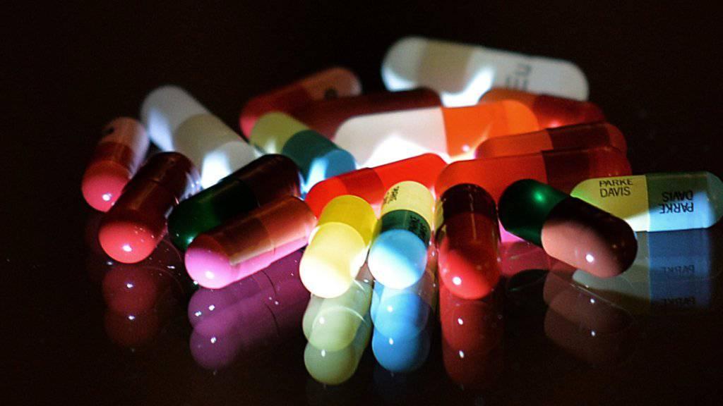 Der Bundesrat sagt Medikamentenfälschern den Kampf an. Gegen sie soll in Zukunft verdeckt ermittelt werden können. (Symbolbild)