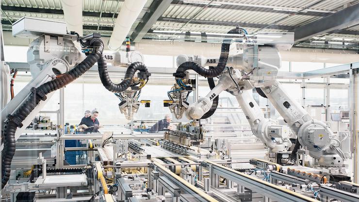 Die Maschinenbau-Branche ist von Wirtschaftsspionage besonders betroffen. (Bild: Christian Beutler/Keystone)