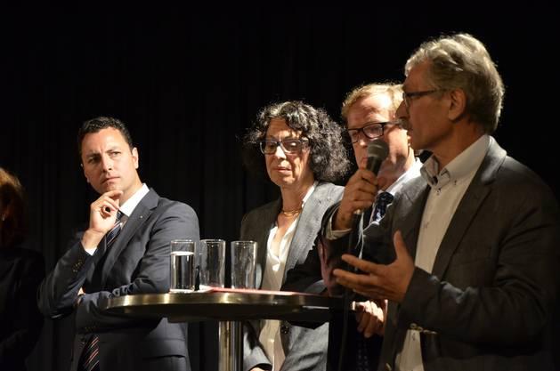 v.l. Reto Wettstein (FDP), Esther Hunziker (frauenbrugg), Urs Holliger (parteilos) und Willi Däpp (SP)