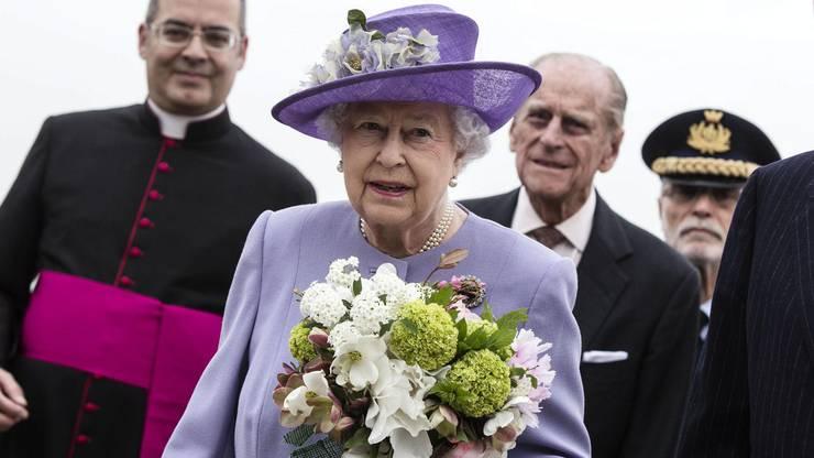 Ja, Kombinieren. Die Queen weiss, wie es geht.