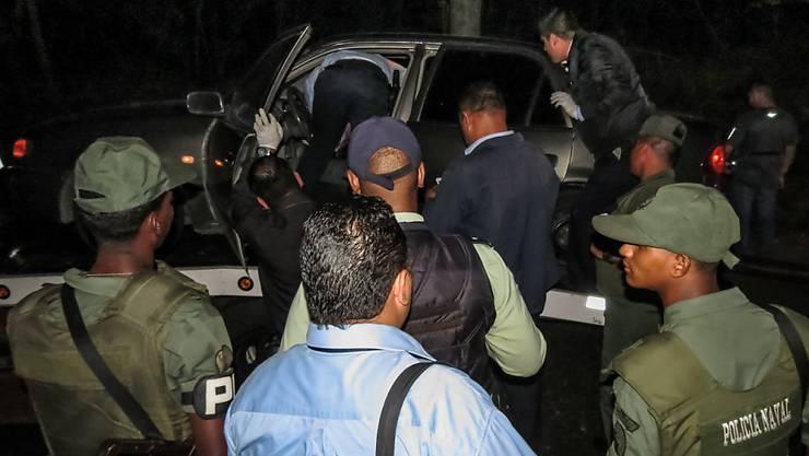 Grausiger Anblick für die Polizisten in Venezuela: Killer erschiessen elf Menschen und flüchten mit Autos und Motorrädern. (Symbolbild)