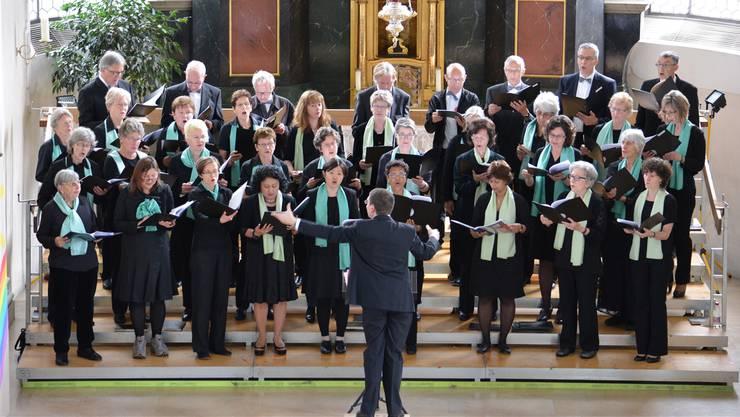 Die Kirchenchöre Brugg und Merenschwand sangen unter der Leitung von Giuseppe Raccuglia.