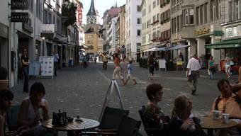 Rennweg ohne Parkplätze: «Die IG Pelikan zählt die Parkplätze falsch», sagt Tiefbauvorsteherin Ruth Genner. «Die Stadt macht Ausflüchte und Tricks», sagen die Gewerbler. (ZVG Stadt Zürich)