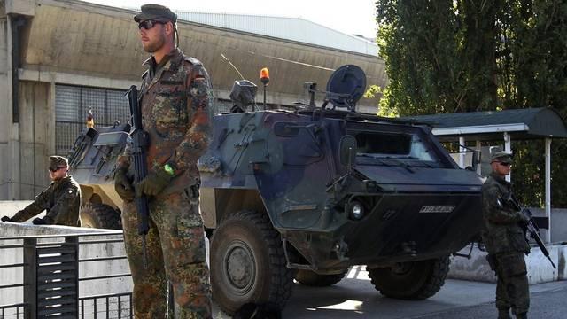 Die Schutztruppe bewacht die Stadt Mitrovica (Archiv)