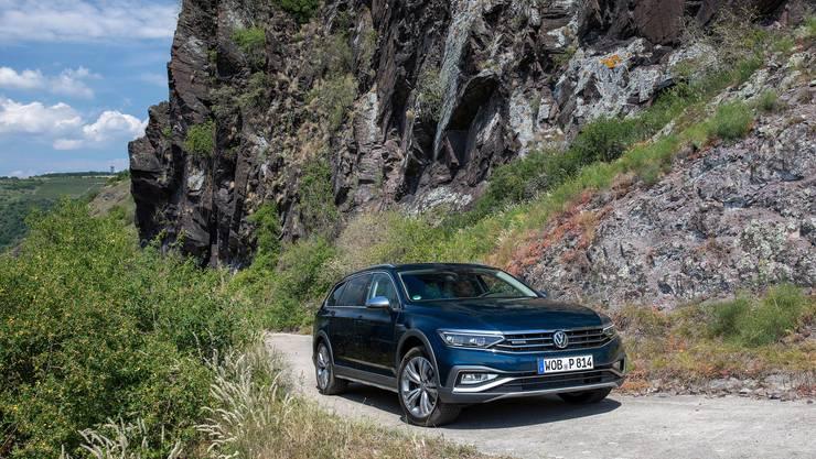 Der VW Passat Alltrack will die Lücke zwischen SUV und Kombi schliessen.