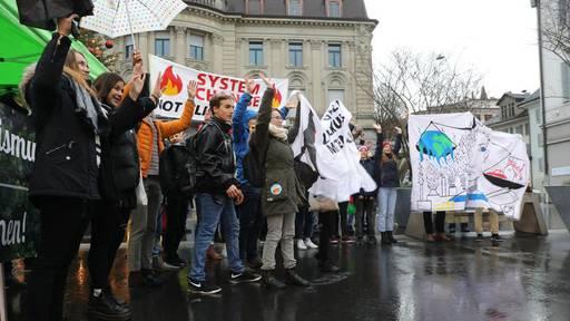 Stimmrechtsalter 16 auch in Zug auf dem politischen Parkett