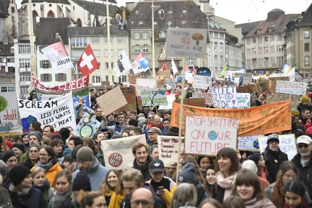 Schweiz- und weltweit wird fürs Klima demonstriert.