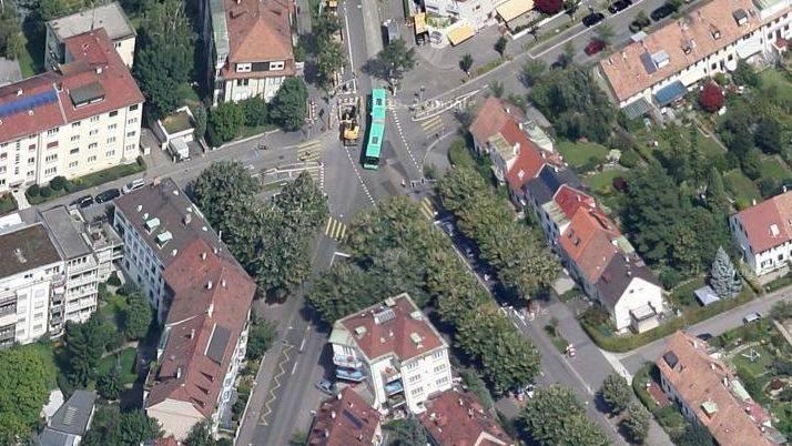 Der obere Teil der der General Guisan-Strasse, Höhe Laupenring, musste während den Bergungsarbeiten ca. 1 Stunde für den Verkehr gesperrt werden.