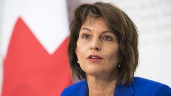 Mit der Senkung der Billag-Gebühr auf 365 Franken werde das System nicht nur günstiger, sondern auch gerechter, sagt Medienministerin Doris Leuthard. (Archiv)